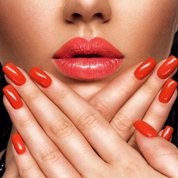 closeup-sexy-female-lips-with-red-lipstick-L6DJZUG-min